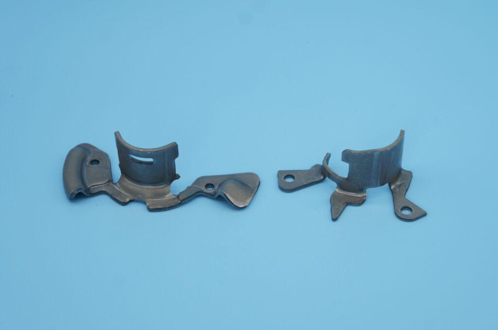 フックスプリング(ハイテン材)リクライニングシート部品 プレス加工と金型の設計・製作でチャレンジを続ける会社 株式会社フクヤマ