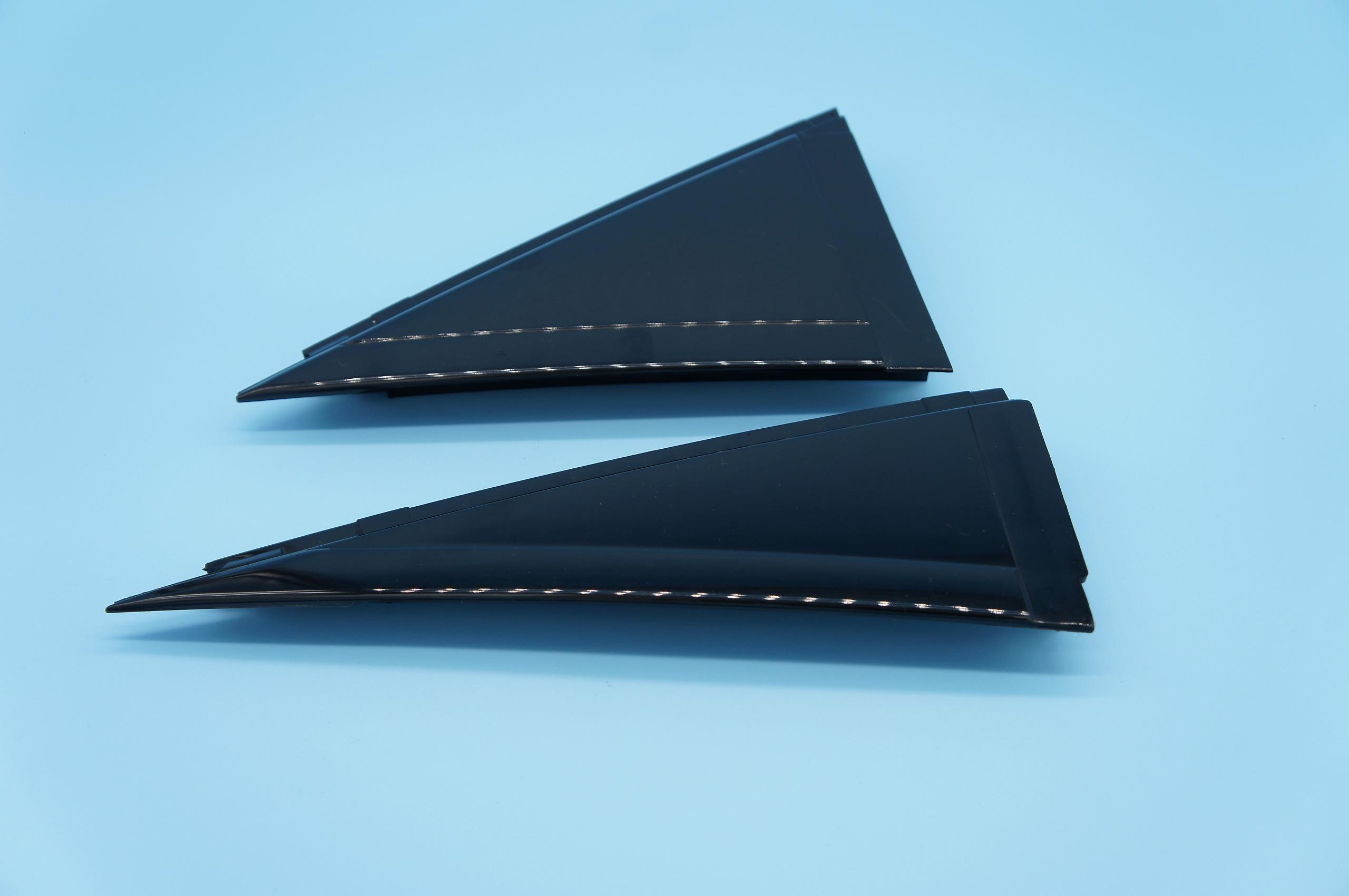 アウターカバー アウターカバー プレス加工と金型の設計・製作でチャレンジを続ける会社 株式会社フクヤマ