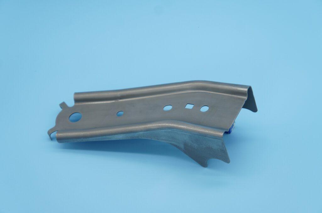 ベルトアンカー(ウルトラハイテン)ベルトアンカー プレス加工と金型の設計・製作でチャレンジを続ける会社 株式会社フクヤマ