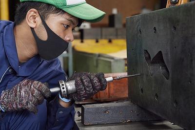 プレス加工と金型の設計・製作でチャレンジを続ける会社|株式会社フクヤマ